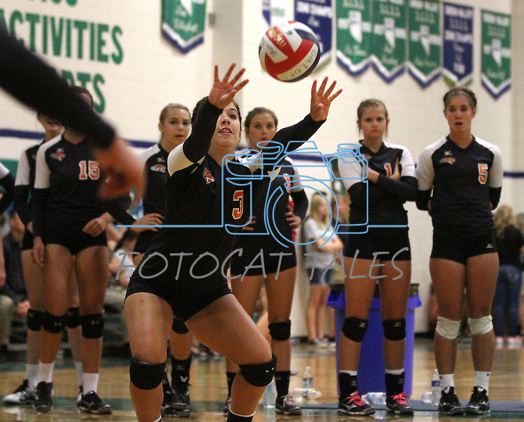 Douglas High School volleyball players compete the first day of competition in the 20th annual Las Vegas Invitational Women's Volleyball Tournament at Green Valley High School in Henderson. .Photo by Cathleen Allison