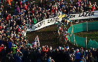 29 NOV 2014 - MILTON KEYNES, GBR - Competitors carefully makes their way round a bend during the men's 2014-2015 UCI Cyclo-Cross World Cup round in Campbell Park in Milton Keynes, Great Britain (PHOTO COPYRIGHT © 2014 NIGEL FARROW, ALL RIGHTS RESERVED)