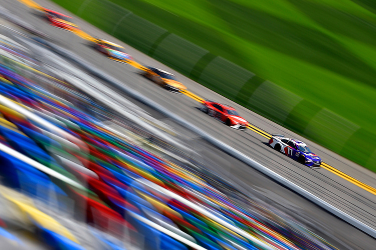 #11: Denny Hamlin, Joe Gibbs Racing, Toyota Camry FedEx
