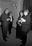 LUCHINO VISCONTI CON SUSO CECCHI D'AMICO, GINA LOLLOBRIGIDA E GIAN LUIGI RONDI -  TEATRO ARGENTINA ROMA 1972