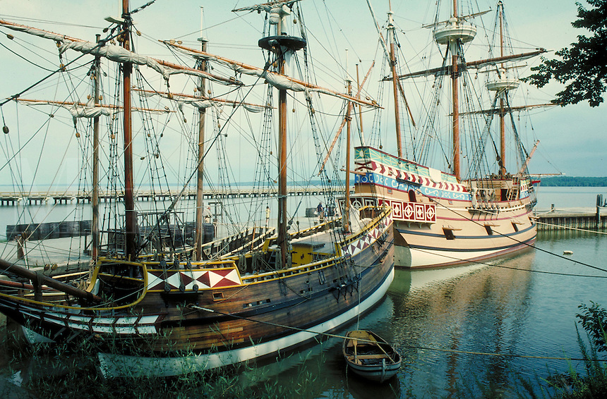 """scenic portrait of the """"Susan Constant"""" and """"Godspeed"""" at Jamestown Settlement historic site. Jamestown Virginia USA."""