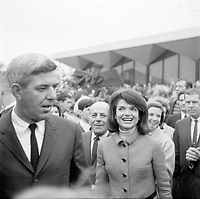 Jackie Kennedy<br /> visite Expo 67<br /> (date exacte inconnue)<br /> <br /> PHOTO : Agence Quebec Presse - Roland lachance