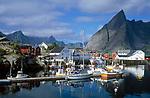 Norwegen, Nordland, Lofoten, Hamnoy: Fischerdorf | Norway, Nordland, Lofoten Islands, Hamnoy: fishing village