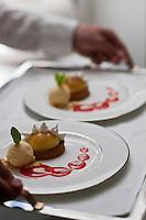 Europe/France/Provence-Alpes-Côte d'Azur/06/Roquebrune-Cap-Martin: Crème de citron caramélisée au biscuit sablé avec son sorbet mandarine - recette de Jean-Claude Brugel, Restaurant Elsa au Monte-Carlo Beach,