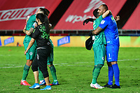 CALI – COLOMBIA, 15-11-2020: Jugadores de La Equidad celebran después del partido entre América de Cali y La Equidad por la fecha 20 de la Liga BetPlay DIMAYOR I 2020 jugado en el estadio Pascual Guerrero de la ciudad de Cali. / Players of La Equidad celebrate after match for the date 20 as part of BetPlay DIMAYOR League I 2020 between America de Cali and La Equidad played at the Pascual Guerrero stadium in Cali city. Photos: VizzorImage / Nelson Rios / Cont.