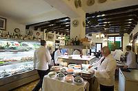 Interno del ristorante Alla Madonna, a Venezia.<br /> Interior of the restaurant Alla Madonna in Venice.<br /> UPDATE IMAGES PRESS/Riccardo De Luca