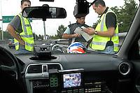 - highway patrol, Provida apparatus for computerized speed control ....- polizia stradale, apparecchio Provida per il controllo  computerizzato della velocità