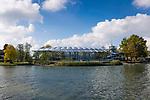 Deutschland, Bayern, Chiemgau, Prien am Chiemsee: Prienavera Erlebnisbad am Bayerischen Meer | Germany, Upper Bavaria, Chiemgau, Prien at Lake Chiemsee: Prienavera water park on the lakefront