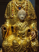 Goldene Madonna - Gnadenmadonna-, Dommuseum des Mariendom,  Hildesheim, Niedersachsen, Deutschland, Europa, UNESCO Weltkulturerbe<br /> Golden Madonna-Madonna of Mercy, Dommuseum in Cathedral of St. Mary, Hildesheim, Lower Saxony, Germany, Europe, UNESCO Heritage Site