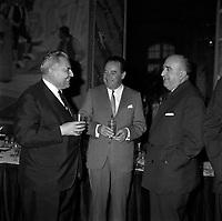 Le 3 Mai 1965. - Le parlementaire <br />  Maurice Faure, Louis Bazerque et de Monsieur Sicre dans la salle du Capitole.