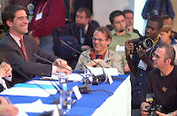June 6 , 2002, Montreal, Quebec, Canada<br /> <br /> <br /> Andre Boisclair, Quebec Minister Municipal Affairs,<br /> Quebec Minister Environment joke with press photographers at  the closing  of the Montreal Summit<br />  (Le Sommet de MontrÈal), June 6, 2002<br /> <br /> <br />  <br /> Mandatory Credit: Photo by Pierre Roussel- Images Distribution. (©) Copyright 2002 by Pierre Roussel <br /> ON SPEC<br /> NOTE l Nikon D-1 jpeg opened with Qimage icc profile, saved in Adobe 1998 RGB.