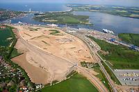 Skandinavienkai:EUROPA, DEUTSCHLAND, Travemuende 21.05.2005:Skandinavienkai, Ausbau,  Ostsee, Faehre, Weg nach Norden, Containerverladung, LKW Verladung, Wasserweg,   Luftbild, Luftansicht