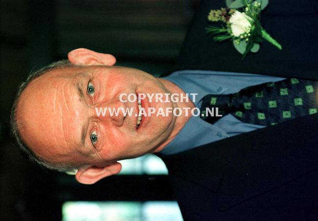 Leusden,29-01-99   Foto:Koos Groenewold (APA)<br /> Portret van Dhr Beerkens tijdens zijn afscheidsreceptie.