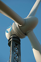 Bau einer neuen Gitterstahlmastkonstruktion durch Butzkies Stahlbau GmbH fuer eine Vensys Windkraftanlage in Steinburg bei Glueckstadt | .GERMANY new innovative construction of a steel lattice tower for Vensys wind turbine