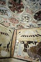 Domus de Janas di Partulesi (Neolithische Grabkammern der Ozieri-Kultur 3.500-2.700 v.Chr.), im Valle dei Nuraghi bei Ittireddu, Provinz Sassari, Nord - Sardinien, Italien