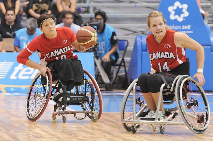 Katie Harnock, Guadalajara 2011 - Wheelchair Basketball // Basketball en fauteuil roulant.<br /> Team Canada takes on Team USA in the Gold Medal Game // Équipe Canada affronte Équipe États-Unis dans le match pour la médaille d'or. 11/18/2011.