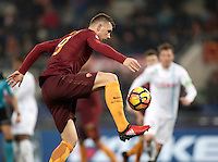 Calcio, Serie A: Roma vs ChievoVerona. Roma, stadio Olimpico, 22 settembre 2016.<br /> Roma's Edin Dzeko controls the ball during the Italian Serie A football match between Roma and Chievo Verona, at Rome's Olympic stadium, 22 December 2016.<br /> UPDATE IMAGES PRESS/Isabella Bonotto