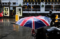 GREAT BRITAIN, London, umbrella with Union Jack flag / GROSSBRITANNIEN, London, Regenschirm mit britischer Flagge