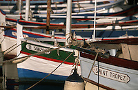Europe/France/Provence-Alpes-Côte d'Azur/83/Var/Saint-Tropez : Barques de pêche sur le port