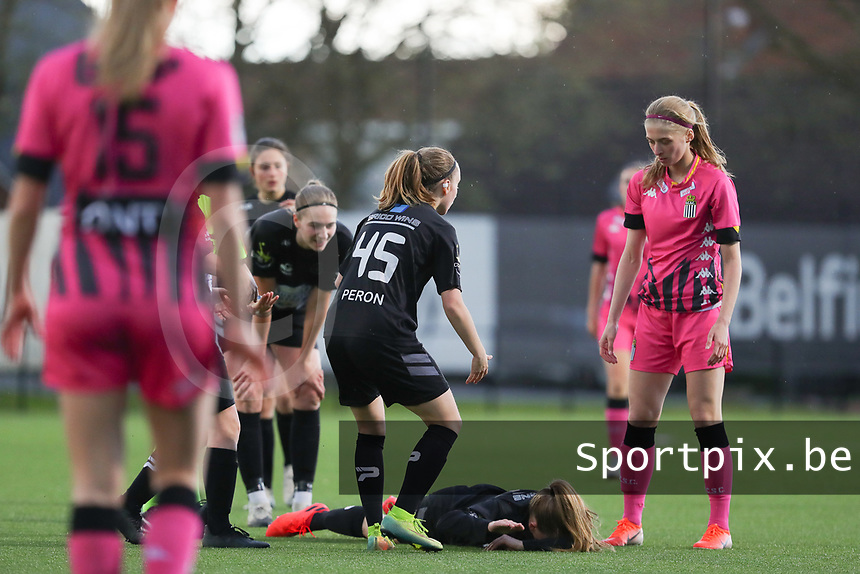 injury for Martyna Rakowicz (38) of Woluwe with Estelle Peron (45) of Woluwe and Ludmila Matavkova (9) of Charleroi  pictured during a female soccer game between Sporting Charleroi and White Star Woluwe on the 7 th matchday in play off 2 of the 2020 - 2021 season of Belgian Scooore Womens Super League , friday 14 th of May 2021  in Marcinelle , Belgium . PHOTO SPORTPIX.BE | SPP | Sevil Oktem