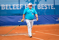 Amstelveen, Netherlands, 1 August 2020, NTC, National Tennis Center, National Tennis Championships, Men's final: Swiping the claycourt<br /> Photo: Henk Koster/tennisimages.com