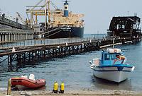 - Savona harbour, oil terminal....- porto di Savona, terminal petrolifero