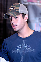 Toronto (ON), July 21, 2007 - Enrique Iglesias, the best selling Latin recording artist in the world, signs copies of his new CD Insomniac for 500 excited fans!