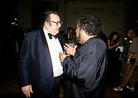 Vittorio (d)  et Raymond Devos<br />  au Festival Juste Pour Rire, 10 juillet 1987<br /> <br /> PHOTO D'ARCHIVE : Agence Quebec Presse