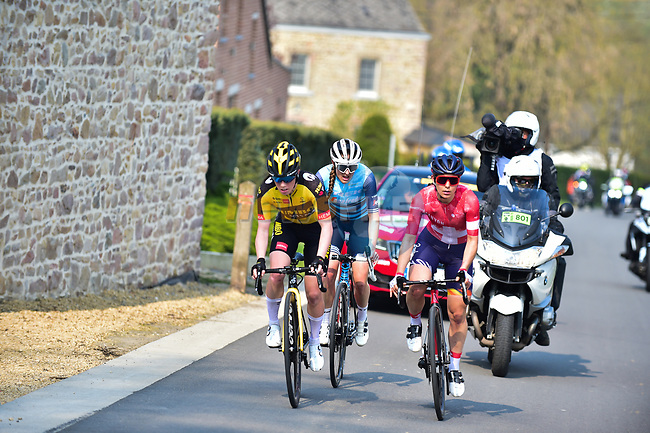 The breakaway featuring Anna Henderson (GBR) Jumbo-Visma Women Cycling Team, Elise Chabbey (SUI) Canyon//SRAM Racing and Lizzie Deignan (GBR) Trek-Segafredo climb Mur de Huy during the 2021 Flèche-Wallonne Femmes, running 130.2 km from Huy to Huy, Belgium. 21st April 2021.  <br /> Picture: A.S.O./Gautier Demouveaux | Cyclefile<br /> <br /> All photos usage must carry mandatory copyright credit (© Cyclefile | A.S.O./Gautier Demouveaux)