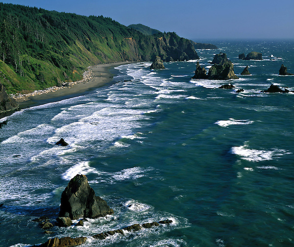 Pacific Ocean in the afternoon, Brookings, Oregon, USA. John offers private photo tours in Washington and throughout Colorado. Year-round.