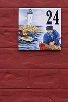 Europe/France/Picardie/80/Somme/Baie de Somme/ Saint-Valéry-sur-Somme: Détail plaque d'une maison,