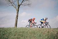 Jonas Rickaert (BEL/Sport Vlaanderen-Baloise) & Jan-Willem Van Schip (NED/Roompot-Nederlandse Loterij) crossing over to race leader Sean De Bie<br /> <br /> 106th Scheldeprijs 2018 (1.HC)<br /> 1 Day Race: Terneuzen (NED) - Schoten (BEL)(200km)