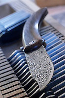 Europe/France/Corse/2A/Corse-du-Sud/Cuttoli-Corticchiato: Couteau corse fabriqué par Jean Biancucci