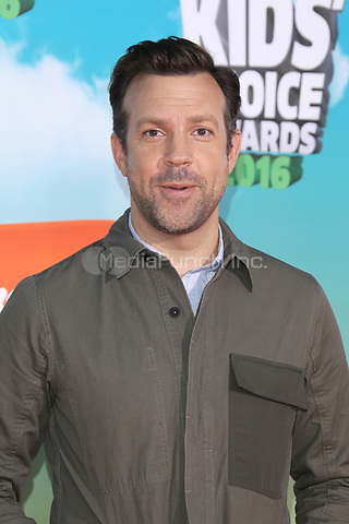 INGLEWOOD, CA - MARCH 12: Jason Sudeikis at Nickelodeon's 2016 Kids' Choice Awards at The Forum on March 12, 2016 in Inglewood, California. Credit: mpi24/MediaPunch