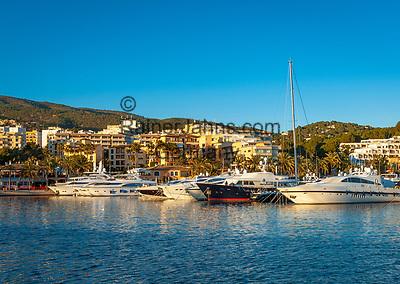 Spanien, Mallorca, Portals Nous: Nobelort mit  Yachthafen Port Portals | Spain, Mallorca, Portals Nous: noble marina Port Portals