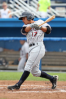 Mahoning Valley Scrappers shortstop Kevin Fontanez (17) during a game vs. the Batavia Muckdogs at Dwyer Stadium in Batavia, New York August 2, 2010.   Batavia defeated Mahoning Valley 8-1.  Photo By Mike Janes/Four Seam Images