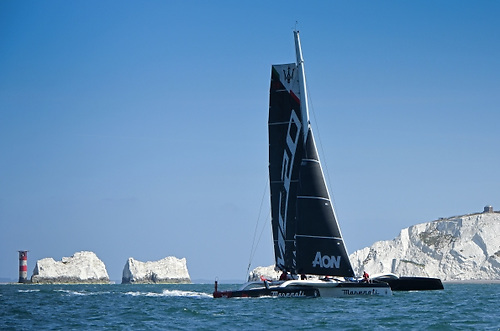 The Italian Team's time is 18 minutes better than the 2015 record set by Lloyd Thornburg and Brian Thompson aboard Phaedo3