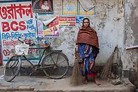 Paruti, street sweeper, Jhenaidah