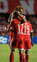 CALI -COLOMBIA-07-09-2015. Ayron del Valle (Der) América de Cali celebra un gol anotado a Barranquilla FC durante partido de vuelta de la fecha 9 del Torneo Águila 2015 jugado en el estadio Pascual Guerrero de Cali./ Ayron del Valle (R) player of America de Cali celebrates a goal scored to Barranquilla FC during the 9th second leg date match of the Aguila Tournament 2015 played at Pascual Guerrero stadium in Cali. Photo: VizzorImage/Juan C. Quintero/