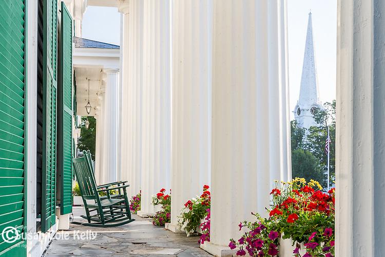 The white columns ofthe Equinox Hotel in Manchester Village, Vermont, USA