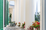 The white columns ofthe Equinox Hotel in Manchester Village, Vermont, USA