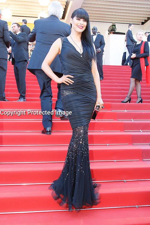 Candice Pascal arrive sur le tapis rouge pour la projection du film 'Bacalaureat' lors du 69ème Festival du Film à Cannes le jeudi 19 mai 2016.