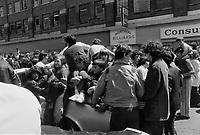 Ken Dryden,, Defile de la Coupe Stanley, sur la rue Ste-Catherine, Mai 1973,<br /> suite a la victoire contre les  Black Hawks de Chicago, le 10 mai.<br /> Date exacte inconnue.<br /> <br /> <br /> PHOTO  : Agence Quebec Presse - Alain Renaud