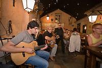 Europe/France/2A/Corse du Sud/Ajaccio: Chants corses au Restaurant le 20123