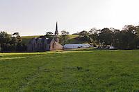 Fest-noz organise a cote de la chapelle Saint-Gildas, a proximite du futur site de la Vallee des Saints<br /> Fest-noz organise par Kreiz ar jeu et dans tro