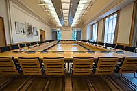 """Konstituierende Sitzung am 1. Sitzungstag des Untersuchungsausschuss """"BER II"""" des Berliner Abgeordnetenhaus am Freitag den 6. Juli 2018.<br /> Der Ausschuss soll die Ursachen, Konsequenzen und Verantwortung fuer die Kosten- und Terminueberschreitungen des im Bau befindlichen Flughafens """"Berlin Brandenburg Willy Brandt"""" aufklaeren.<br /> Im Bild: Blick in der Sitzungssaal.<br /> 6.7.2018, Berlin<br /> Copyright: Christian-Ditsch.de<br /> [Inhaltsveraendernde Manipulation des Fotos nur nach ausdruecklicher Genehmigung des Fotografen. Vereinbarungen ueber Abtretung von Persoenlichkeitsrechten/Model Release der abgebildeten Person/Personen liegen nicht vor. NO MODEL RELEASE! Nur fuer Redaktionelle Zwecke. Don't publish without copyright Christian-Ditsch.de, Veroeffentlichung nur mit Fotografennennung, sowie gegen Honorar, MwSt. und Beleg. Konto: I N G - D i B a, IBAN DE58500105175400192269, BIC INGDDEFFXXX, Kontakt: post@christian-ditsch.de<br /> Bei der Bearbeitung der Dateiinformationen darf die Urheberkennzeichnung in den EXIF- und  IPTC-Daten nicht entfernt werden, diese sind in digitalen Medien nach §95c UrhG rechtlich geschuetzt. Der Urhebervermerk wird gemaess §13 UrhG verlangt.]"""