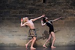 Uzes Danse Festival 2010<br /> Danses Libres<br /> Choregraphie : François Malkovsky<br /> Avec : Cecilia Bengolea, Suzanne Bodak, François Chaignaud, Lenio Kaklea, Mickael Phelippeau<br /> Le 12/06/2010<br /> Jardin de l'Evécher, Uzes<br /> © Laurent Paillier / photosdedanse.com<br /> All rights reserved