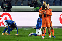 Donny van de Beek of Netherlands celebrates with Memphis Depay after scoring the goal of 1-1 during the Uefa Nation A League Group 1 football match between Italy and Netherlands at Atleti azzurri d Italia Stadium in Bergamo (Italy), October, 14, 2020. Photo Andrea Staccioli / Insidefoto