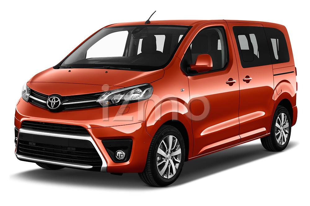 2018 Toyota Proace-Verso Viaggio 5 Door Minivan Angular Front stock photos of front three quarter view