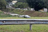 Campinas (SP), 12/02/2021 - Policia - Um corpo foi encontrado na tarde desta terça-feira (12) no piscinão da Avenida José de Souza Campos, conhecida como Norte-Sul, em Campinas, interior de São Paulo. A GM (Guarda Municipal) foi acionada após um morador passar pelo local e ver uma movimentação de urubus.